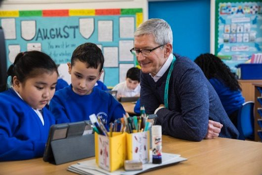 Tim Cook studenti